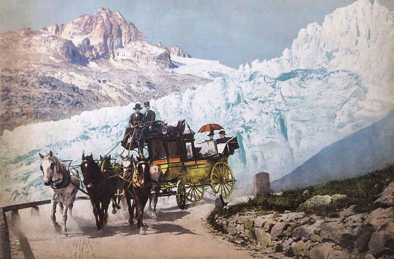 La Poste descendant la route de la Furka devant le Glacier du Rhône en 1908